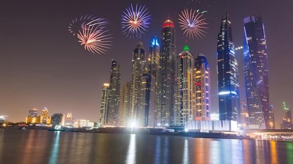fireworks uae 47th day